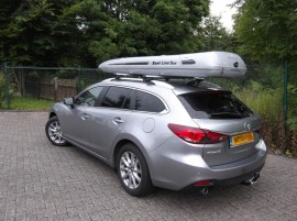 Mazda SLB Foto's van dakkoffers Big-Malibu XL Surf met surfplankhouder