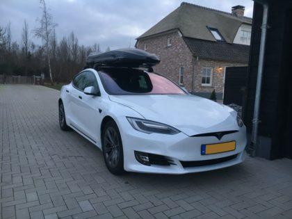 "Tesla Model S Kundenbilder Dachbox Moby Dick ""Aktion alles inklusive"""