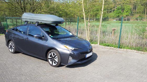 Toyota Hybrid Kundenbilder Beluga XXL Dachbox – Urlaub mit Hund